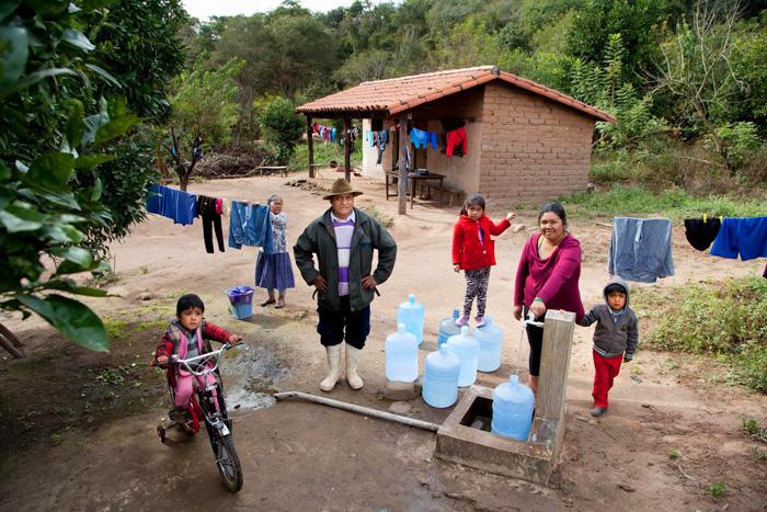 Fra Miro Babić borba za vodu u misiji u Africi i projekt koji je snimio fotograf Ashley Glibertson u suradnji s UNICEF-om