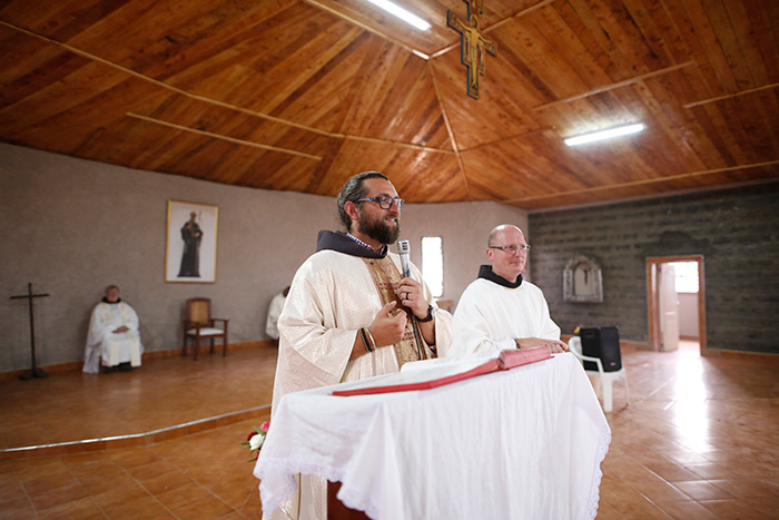 fra Teofil Czarniak, fra Miro Babić, nova crkva u misiji