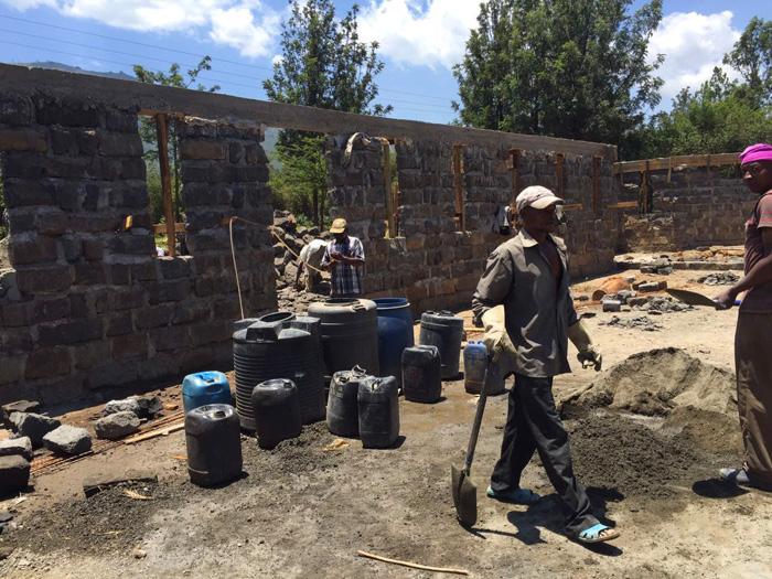 fra-miro-babic-gradnja-crkve-afrika-kenija-zvono-2