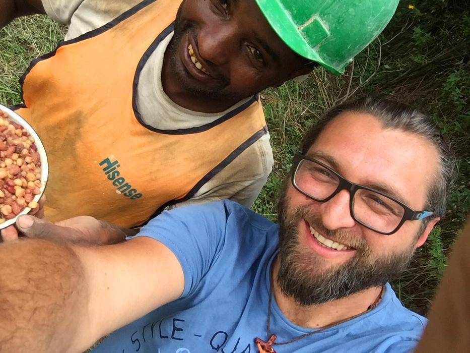 fra-miro-babic-gradnja-crkve-afrika-kenija-zvono-6